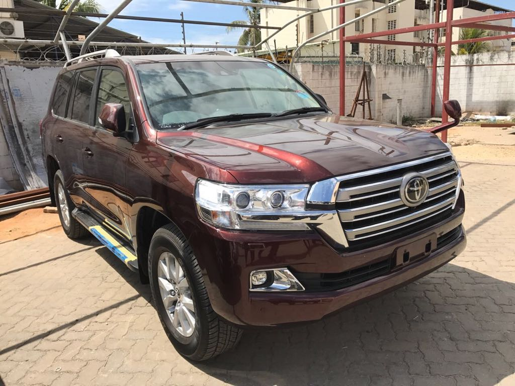 2017 Toyota Land Cruiser AX-G V8 Petrol Auto Full Option